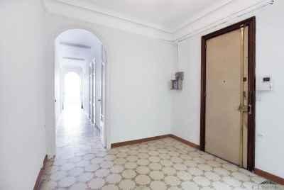 Светлая квартира в центре Барселоны